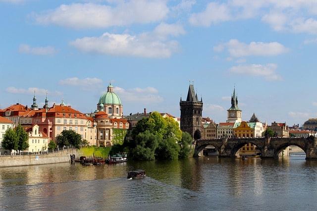 République tchèque VS Biélorussie : trouve ton stage à l'étranger !