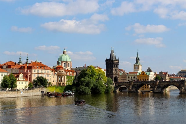 Czech Republic VS Belarus: find your internship abroad!